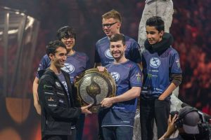 Team Liquid accepts the trophy in addition to $2.8 million at the Dota 2 International 2015
